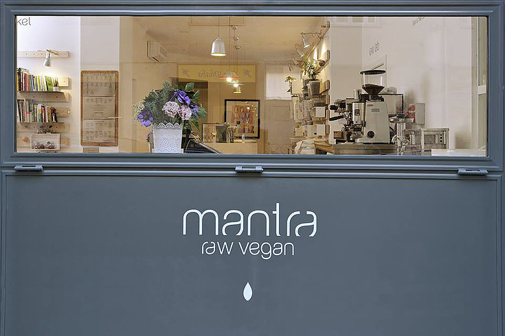 mantra-raw-vegan-2
